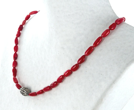 Red coral sample necklace
