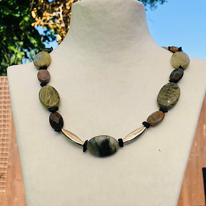 Brown green agate onyx necklace