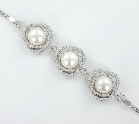 Freshwater cultured white pearl  cz bracelet