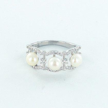 Three pearl silver ring