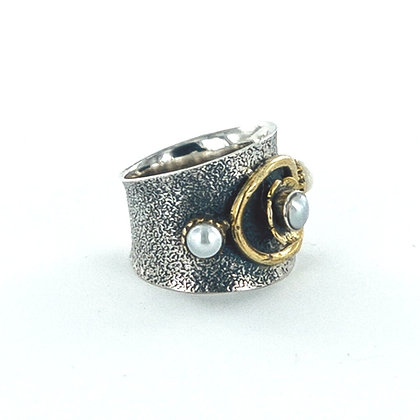 Chunky sterling silver gold pearl ring
