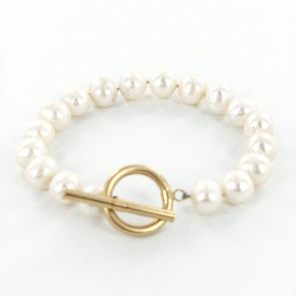 Pearl gold T Bar clasp bracelet
