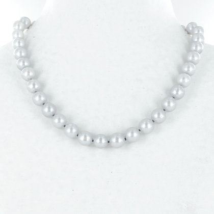 Grey pearl silver horseshoe clasp necklace