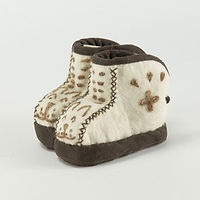 SLE-snow-leopard-face-booties_b7443c0e-3