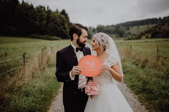 K1600_Hochzeitsbild-Fächer_Jenny_+_Lukas