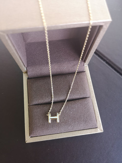 HERMES POP H DESIGN Pendant with Yellow gold Necklace