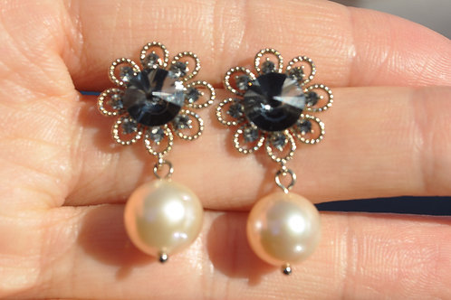 Swarovski Earring with Fresh pearl 925 Sterling Silver Post