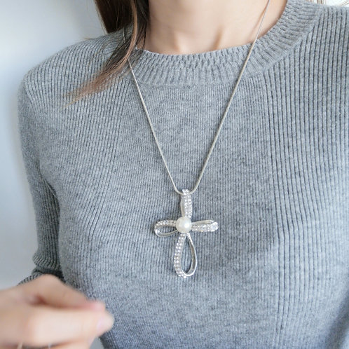 Women Long Chain Sweater Necklace Fashion Design