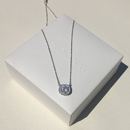 Fashion necklace with SWAROVSKI crystal