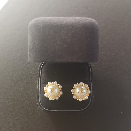 Vintage Chanel Design Round Mabe Pearl Fashion Earrings