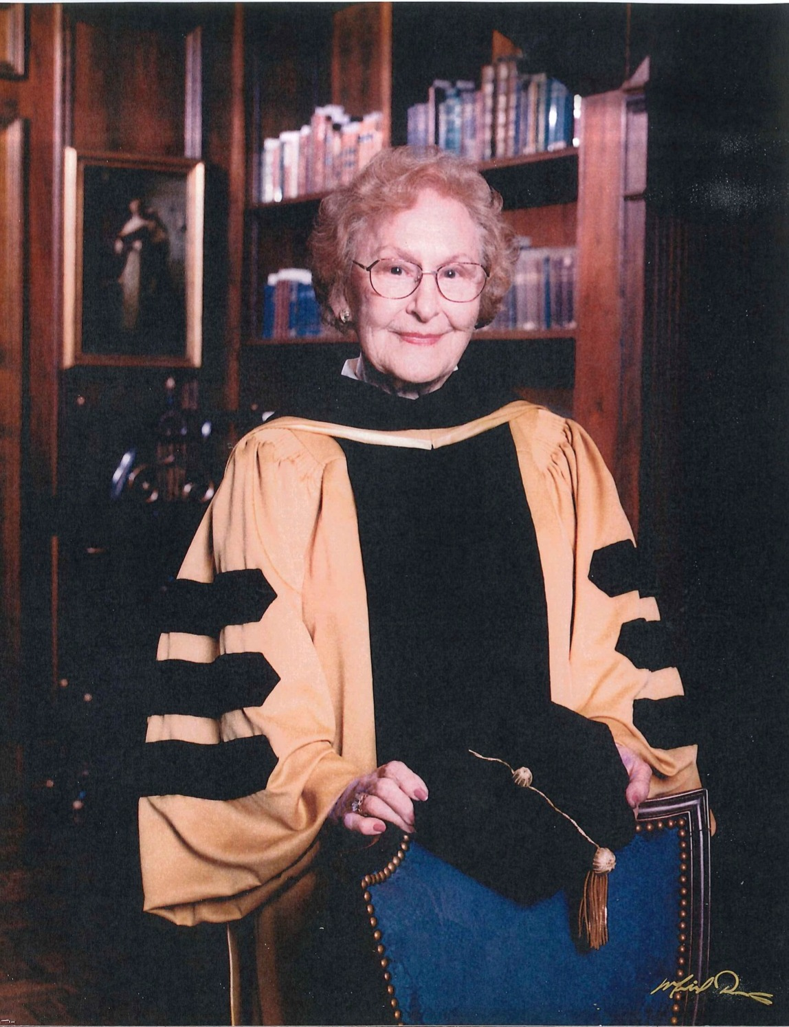 Clarice Bagwell Commencement Standing_ed