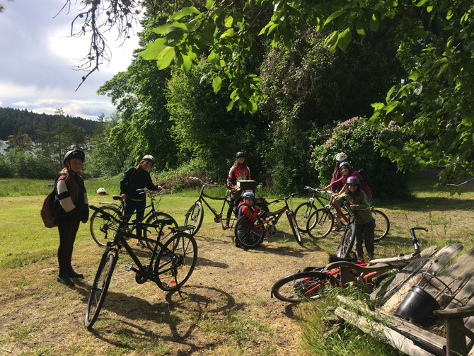 Team bike to the Portal