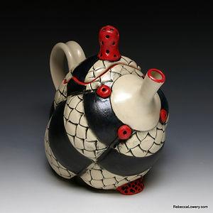 Crested Teapot 2.jpg