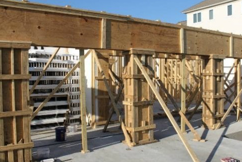 wood-formwork-for-concrete-construction-581x330