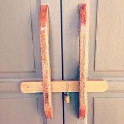 Knock knock! Who's there! #malaydoor