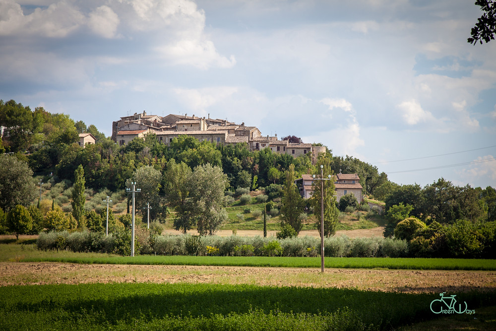 Torre del Colle is a medieval town in Umbria near Bevagna. It is a medieval castle
