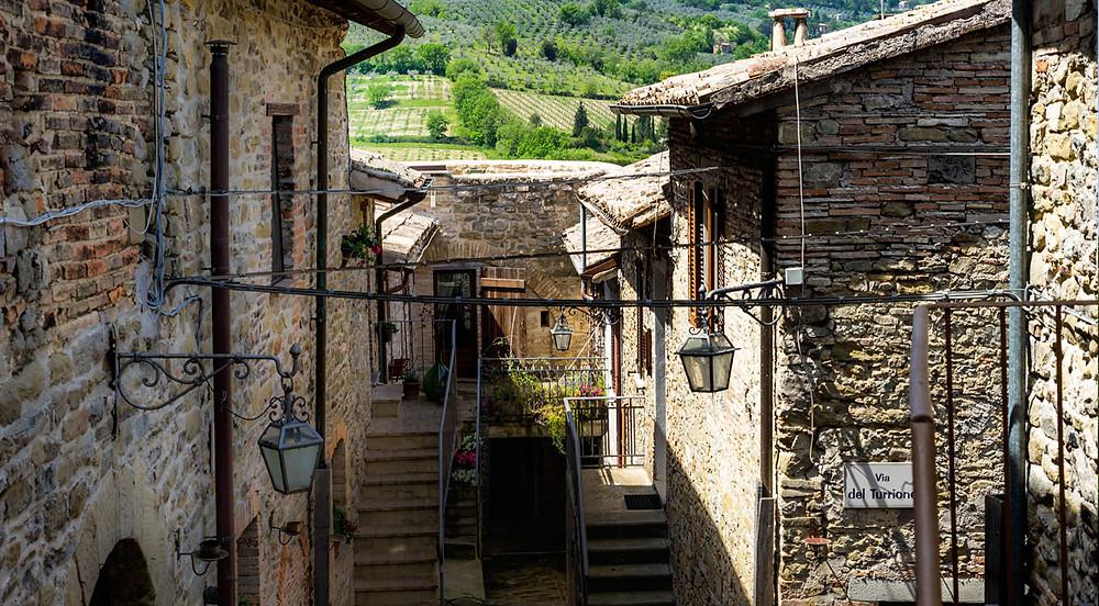 Umbrian hilltown in Bevagna. Case in stile Umbro