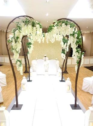 Wisteria Arches / LED Aisle
