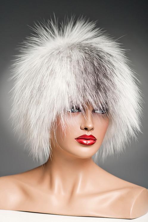 меховая зимняя шапка из белой лисы на вязаной основе сноп