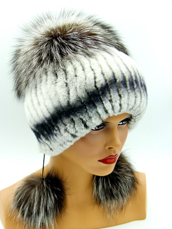 Женские меховые шапки на вязаной основе Украина