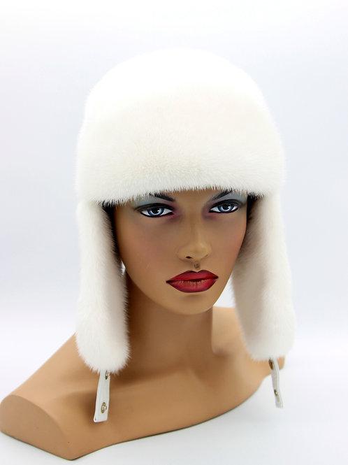 женская меховая белая шапка ушанка