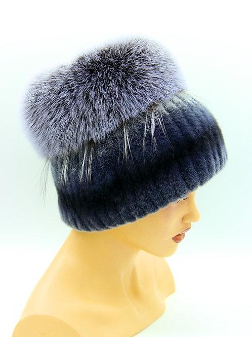 женская шапка на вязаной основе из меха