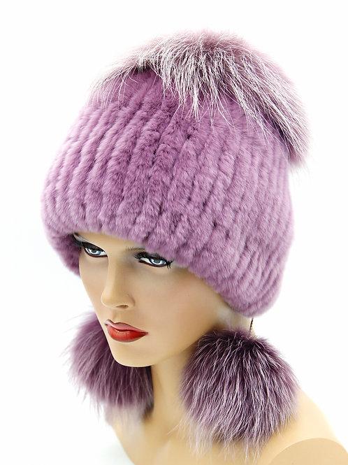 меховая женская шапка на вязаной основе и нашитого меха