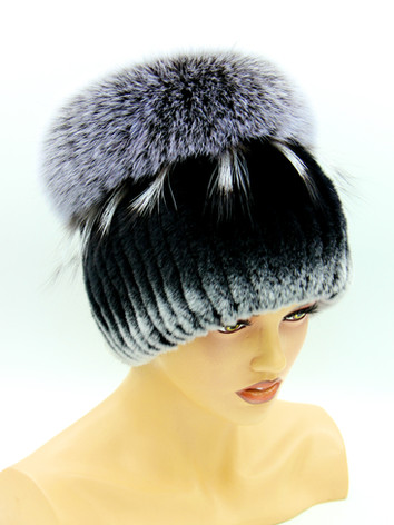 Купить меховую шапку на вязаной основе в украине