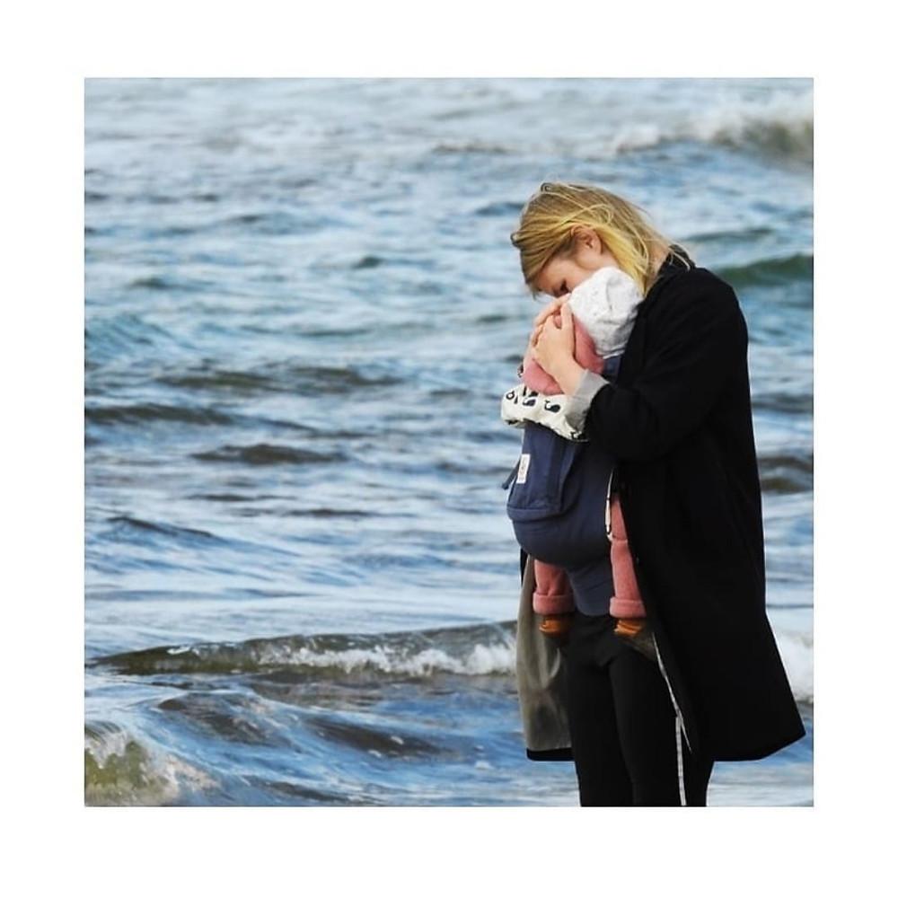 SLEEP CALM Baby Schlafberatung Tina Bernert   Berlin und Umgebung   Tragen von Babys