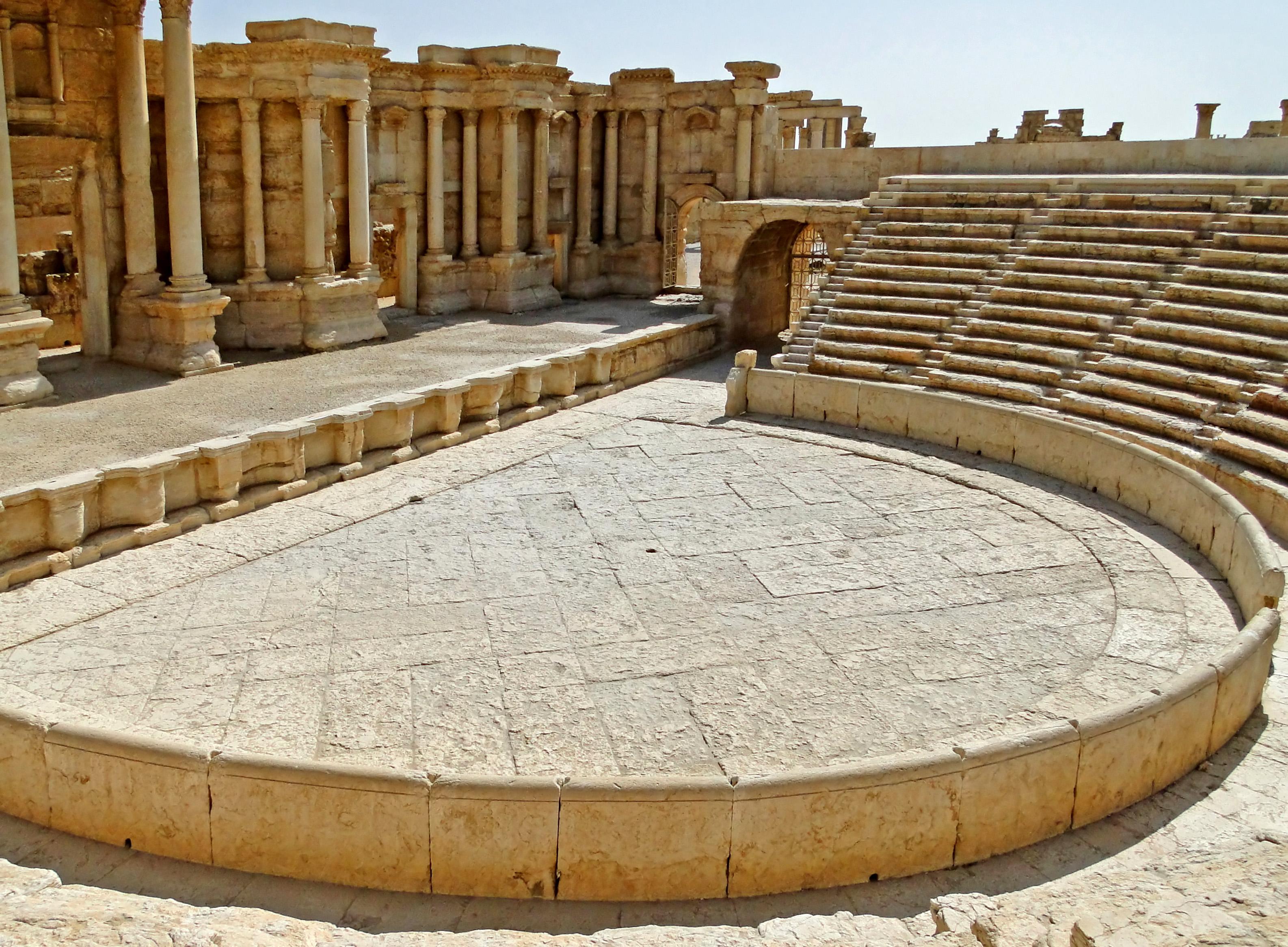 Roman_theatre_of_Palmyra_03