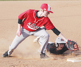 Holston tags runner at first.jpg