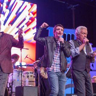 Jackson-with-Kenny-and-Bill-Champlin.jpg