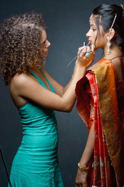 Photo de retouches maquillage pour prise de vue Bilytis BARABAS maquilleuse professionnelle