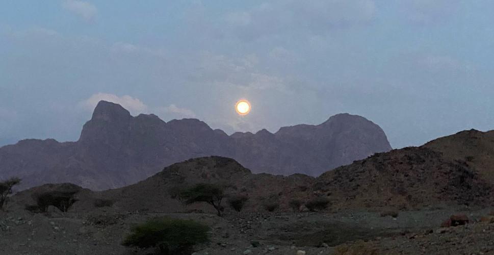 Morning moon, Tabuk/Sharma Highway.