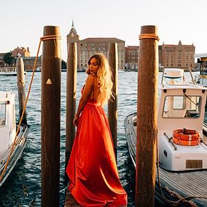 Tara Tabitha-Venice, Italy
