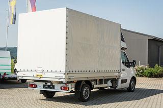 Opel_Movano_valník s plachtou 8 palet_na