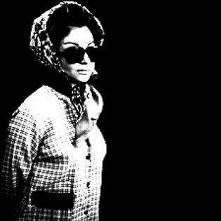Smita Glasses Standing Artwork