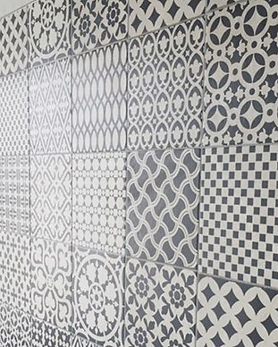 Lovely patterned laundry splash back_._.