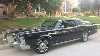1969 Lincoln set dressing film picture car
