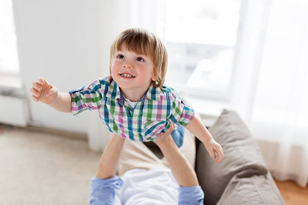 child custody relocation in florida image with father and son