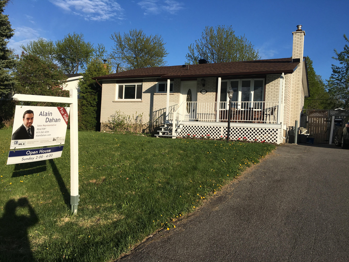 SOLD 110 Larch Cr