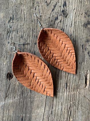 Cinnamon braided leather earrings