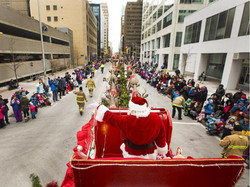 santa-claus-waves-to-the-thousands-of-spectators-during-the1
