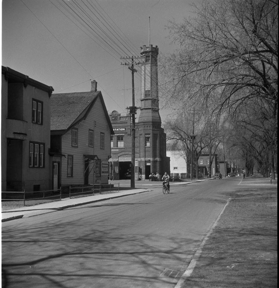 1938 King edward and Bruyere station