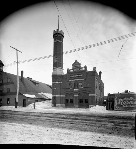 1904 Laurier  and Theodore st station