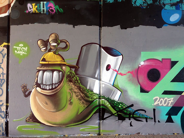 snail graffiti, street art