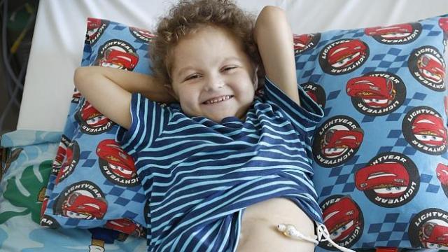 Gutsy Talon McGowan, 5, a medical marvel after tummy transplant | Herald Sun