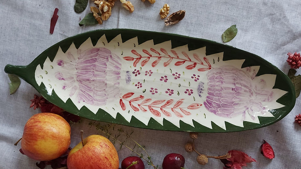 Leaf platter with faded pattern - 33 cm