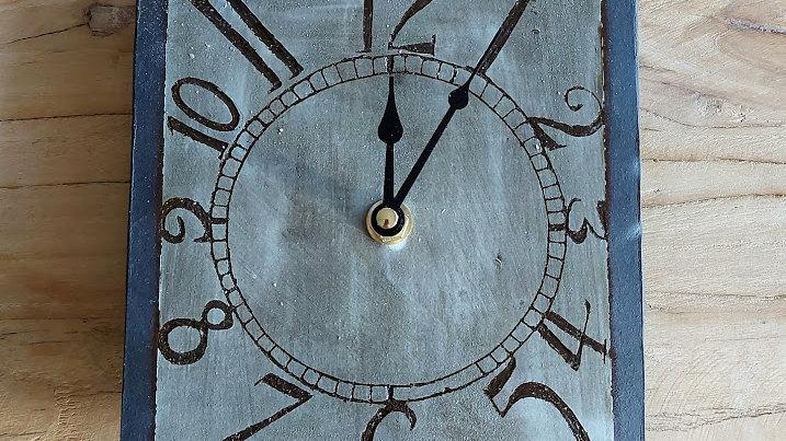 Brown/beige clock