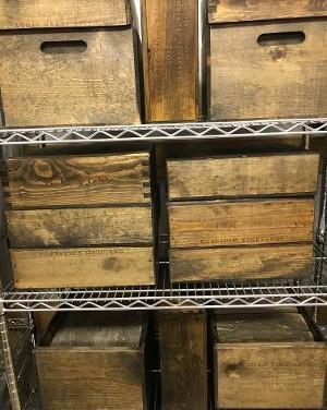 8 large , 11 medium wine boxes for centerpieces